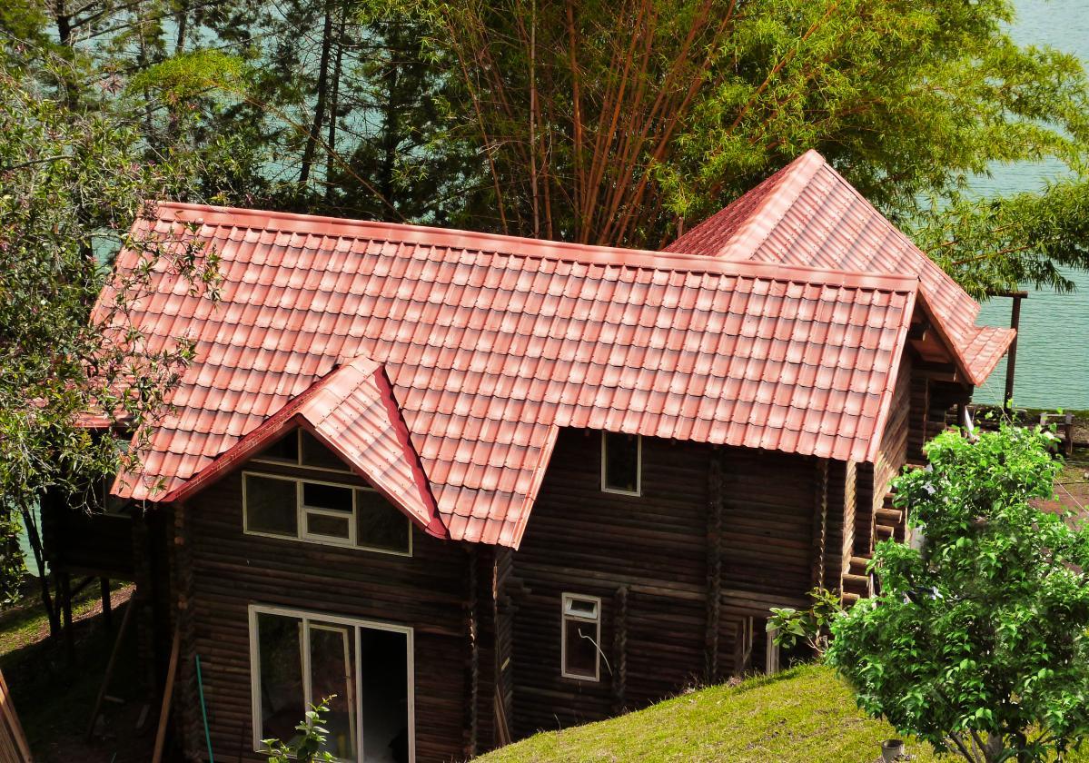 Kuća sa Onduvilla pločama